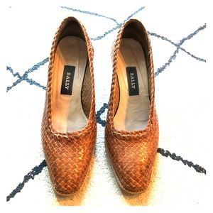 Bally Parisian wicker style braided leather heels.